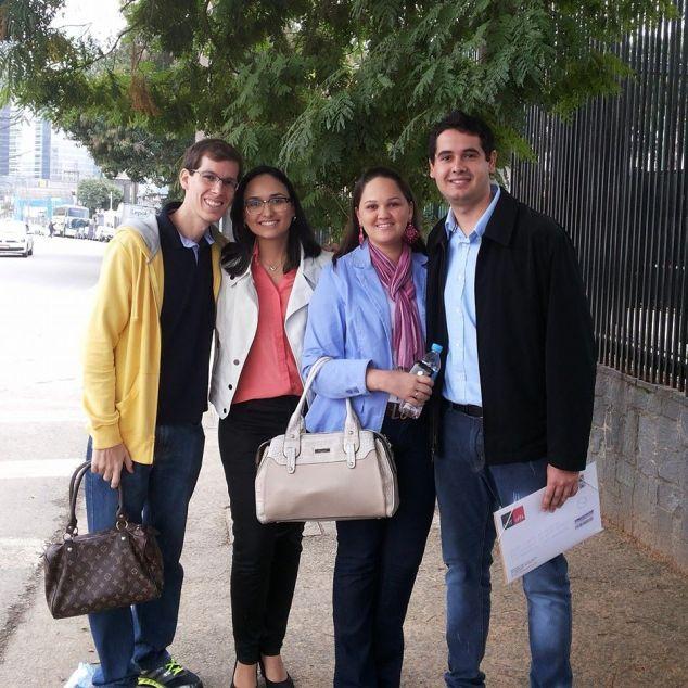 Vistos aprovados! Rafa, eu, Camila e João amigos de CG